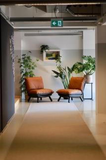 Forest_Amsterdam_halllway_lounge_large